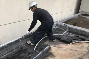 防水層除去の様子