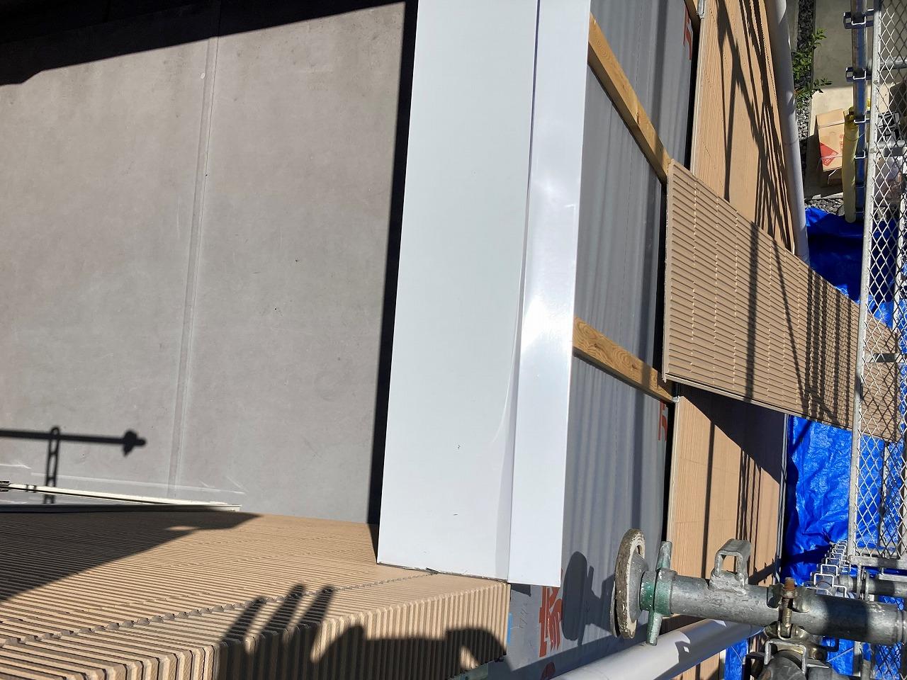 倉敷市昭和町で外壁張替えに伴い、笠木板金やり替えです